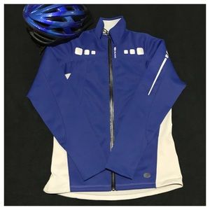 SUGOi cycling zip up size M